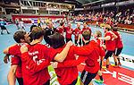 Eskilstuna 2014-10-03 Handboll Elitserien Eskilstuna Guif - Alings&aring;s HK :  <br /> Eskilstuna Guifs spelare jublar i en ring efter matchen och segern &ouml;ver Sk&ouml;vde<br /> (Foto: Kenta J&ouml;nsson) Nyckelord:  Eskilstuna Guif Sporthallen IFK Sk&ouml;vde HK jubel gl&auml;dje lycka glad happy