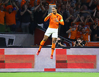 celebrate the goal, Torjubel zum 1:0 von Virgil Van Dijk (Niederlande) - 13.10.2018: Niederlande vs. Deutschland, 3. Spieltag UEFA Nations League, Johann Cruijff Arena Amsterdam, DISCLAIMER: DFB regulations prohibit any use of photographs as image sequences and/or quasi-video.