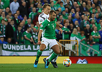 Niall McGinn (Nordirland, Northern Ireland) gegen Marcel Halstenberg (Deutschland Germany) - 09.09.2019: Nordirland vs. Deutschland, Windsor Park Belfast, EM-Qualifikation DISCLAIMER: DFB regulations prohibit any use of photographs as image sequences and/or quasi-video.