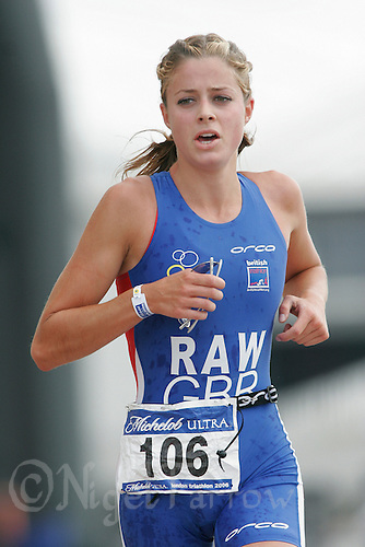 06 AUG 2006 - LONDON, UK - Vanessa Raw - London Triathlon '06. (PHOTO (C) NIGEL FARROW)