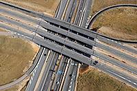 Autobahn Spanien: SPANIEN, La Mancha, 02.07.2018: Autobahnkreuz A4, A40, südlich von Madrid