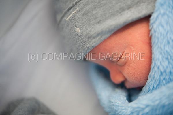 Three day old newborn twins (Heverlee, 02/01/2017)