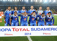 BOGOTA - COLOMBIA – 21-08-2014: Los jugadores Millonarios de Colombia, posan para una foto durante partido de ida de la primera fase, llave G14 de la Copa Total Suramericana entre Millonarios de Colombia y Universidad Cesar Vallejo Club de Futbol de Peru, en el estadio Nemesio Camacho El Campin de la ciudad de Bogota. / The players of Millonarios of Colombia, pose for a photo during a match for the first leg, of the first phase, Key G14 between Millonarios de Colombia and Universidad Cesar Vallejo Club de Futbol of Peru of the Copa Total Suramericana in the Nemesio Camacho El campin Stadium in Bogota city. Photos: VizzorImage / Luis Ramirez / Staff.