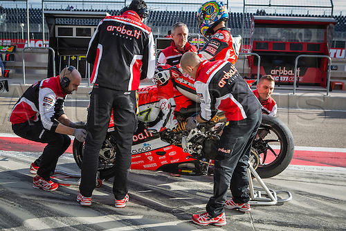 03.04.2016. Motorland, Aragon, Spain, World Championship Motul FIM of Superbikes. Chaz Davies #7, Ducati 1199 Panigale R rider of Superbike training tire change before  the Race  in the World Championship Motul FIM of Superbikes from the Circuito de Motorland.