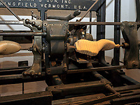 Alte Leistenmaschine im  Museum, Fagus Werk der Firmen GreCon, erbaut von Bauhaus-Architekt Walter Gropius 1911, Alfeld, Niedersachsen, Deutschland, Europa, UNESCO-Weltkulturerbe<br /> old last machine in Museum, Fagus Factory of GreCon Company built by Bauhaus archtect Walter Gropius 1911; Alfeld, Lower Saxony, Germany, Europe, UNESCO heritage site
