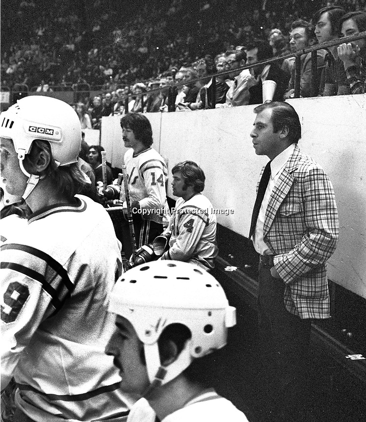 California Golden Seals bench, coach Jack Evans. (1975 photo/Ron Riesterer)