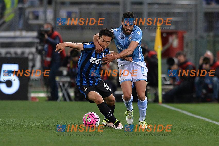 Antonio Candreva Lazio, Yuto Nagatomo Inter.<br /> Roma 1-05-2016  Stadio Olimpico<br /> Campionato Serie A,<br /> Lazio - Inter.<br /> Foto Antonietta Baldassarre / Insidefoto