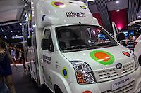 SAO PAULO, SP - 05.11.2014 - SAL&Atilde;O DO AUTOM&Oacute;VEL - Food Truck da montadora chinesa, Linfan, foi um dos atrativos desta quarta-feira (5) no Sal&atilde;o Internacional do Autom&oacute;vel em S&atilde;o Paulo.<br /> <br /> <br /> (Foto: Fabricio Bomjardim / Brazil Photo Press)