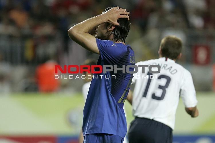 FIFA WM 2006 -  Gruppe E Vorrunde ( Group E )<br /> Play   #25 (17-Jun) - Italien - USA 1:1<br /> <br /> Enttaeuschung  IAQUINTA<br /> <br /> <br /> Foto &copy; nordphoto