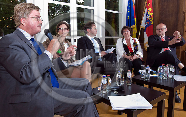 BRUSSELS  -  BELGIUM  - 31 MAY 2011 -- Representation of the State of Hessen to the EU. -- Panel discussion organized by the Frankfurt am Main Chamber of Commerce and Industry on: Corporate Social Responsibility (CSR) - the SME perspective. -- MEP Thomas MANN, Vice President of the EU-Parliament Committee for Employment and Social Affairs; Kerstin JORNA, Member of the Cabinet of the EU-Commissioner for Internal Markest; Moderator Jochen REMMERT, Correspondent for FAZ and Rhein-Main-Zeitung; MEP Barbara WEILER, Member of the EU-Parliament Committee for Internal Markets and Consumer Protection and Bernd EHINGER, Entrepreneur and President of the Chamber of Skilled Crafts Rhein-Main.  --  PHOTO: Juha ROININEN / EUP-Images.