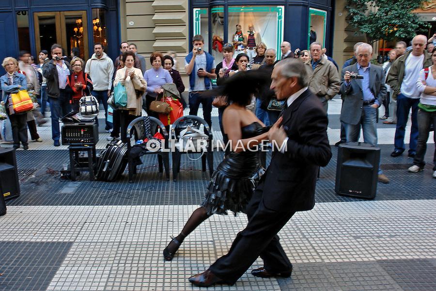 Dança de tango na Calle Florida. Buenos Aires. Argentina. 2008. Foto de Caio Vilela.