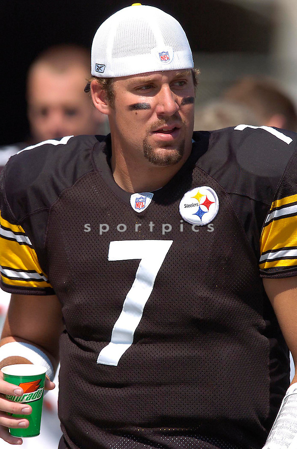 Ben Roethlisberger, of the Pittsburgh Steelers, during thier game against the Tennessee Titans on September 11, 2005....Steeler win 34-7..Chris Bernacchi / SportPics