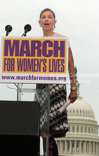 "Actress Ashley Judd speaks at the ""March for Women's Lives"" in front of the United States Capitol in Washington, DC on April 25, 2004..Credit: Ron Sachs / CNP"