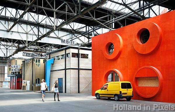 Nederland Amsterdam  2017. De NDSM-Werf. In de gebouwen van de voormalige scheepswerf zijn ateliers gevestigd. Foto Berlinda van Dam / Hollandse Hoogte