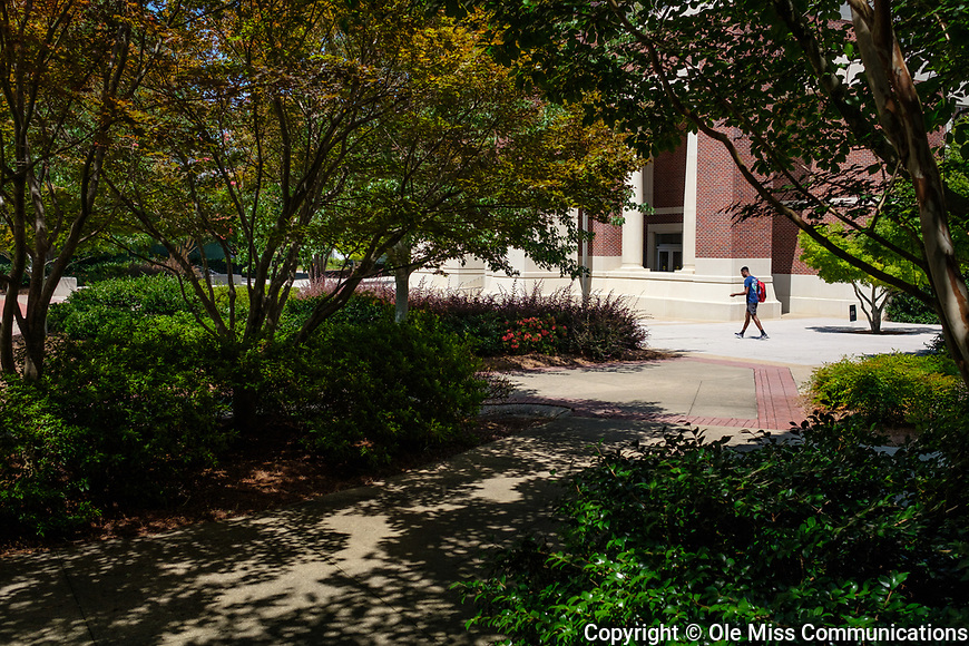 View from Bondurant East toward the J.D. Williams Library. Photo by Robert Jordan/Ole Miss Communications
