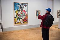 """Die Ausstellung """"Picasso. Das spaete Werk"""" wird vom 9. Maerz bis 16. Juni 2019 im Potsdamer Museum Barberini gezeigt.  Alle Leihgaben, Gemaelde, Keramiken, Skulpturen und Graphiken von Pablo Picasso (1881–1973), stammen aus der Sammlung Jacqueline Picasso (1927–1986).<br /> In der von Gastkurator Bernardo Laniado-Romero getroffenen Auswahl befinden sich zahlreiche Werke, die erstmalig in Deutschland gezeigt werden sowie einige, die zum ersten Mal in einem Museum praesentiert werden.<br /> Im Bild: """"Der Matador"""", Oel auf Leinwand, vom 14. Oktober 1970.<br /> 7.3.2019, Potsdam<br /> Copyright: Christian-Ditsch.de<br /> [Inhaltsveraendernde Manipulation des Fotos nur nach ausdruecklicher Genehmigung des Fotografen. Vereinbarungen ueber Abtretung von Persoenlichkeitsrechten/Model Release der abgebildeten Person/Personen liegen nicht vor. NO MODEL RELEASE! Nur fuer Redaktionelle Zwecke. Don't publish without copyright Christian-Ditsch.de, Veroeffentlichung nur mit Fotografennennung, sowie gegen Honorar, MwSt. und Beleg. Konto: I N G - D i B a, IBAN DE58500105175400192269, BIC INGDDEFFXXX, Kontakt: post@christian-ditsch.de<br /> Bei der Bearbeitung der Dateiinformationen darf die Urheberkennzeichnung in den EXIF- und  IPTC-Daten nicht entfernt werden, diese sind in digitalen Medien nach §95c UrhG rechtlich geschuetzt. Der Urhebervermerk wird gemaess §13 UrhG verlangt.]"""