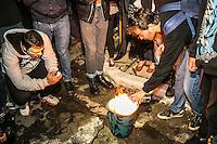 SÃO PAULO, SP, 05.11.2014 - ATO PELA FALTA DE ÁGUA EM SÃO PAULO - Manifestantes realizam passeata na rua da Consolação devido a falta de água em São Paulo, na noite desta quarta-feira (5). (Foto: Taba Benedicto/ Brazil Photo Press)