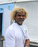 COSTA DO SAUIPE, BA, 06.12.2013 - COPA 2014 - SORTEIO FINAL DA COPA DO MUNDO 2014 - O ex jogador colombiano Carlos Valderrama antes do sorteio oficial da Copa do Mundo de 2014 na Costa do Sauipe litoral norte da Bahia, nesta sexta-feira, 06. (Foto: William Volcov / Brazil Photo Press).