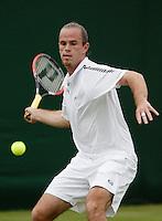 26-6-06,England, London, Wimbledon, first round match, Malisse