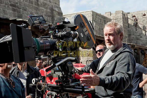 RIDLEY SCOTT (DIRECTOR).on the set of Robin Hood (2010) .*Filmstill - Editorial Use Only*.CAP/FB.Supplied by Capital Pictures.
