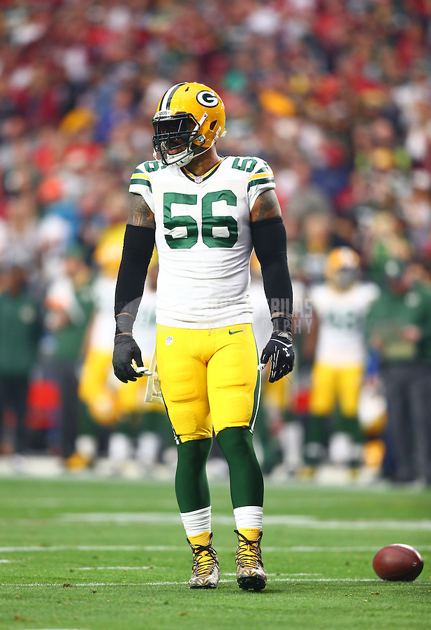 Dec 27, 2015; Glendale, AZ, USA; Green Bay Packers linebacker Julius Peppers (56) against the Arizona Cardinals at University of Phoenix Stadium. The Cardinals defeated the Packers 38-8. Mandatory Credit: Mark J. Rebilas-USA TODAY Sports