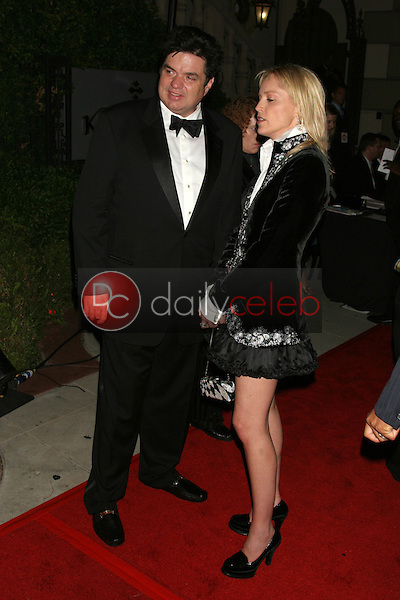 Oliver Platt and Sharon Stone<br /> At the Showtime Emmy After-Party, Saddle Ranch Chop House, West Hollywood, CA 09-18-05<br /> David Edwards/DailyCeleb.Com 818-249-4998