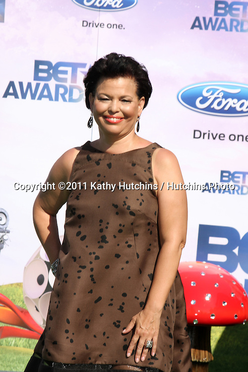 LOS ANGELES - JUN 26:  Debra Lee arriving at the 11th Annual BET Awards at Shrine Auditorium on June 26, 2004 in Los Angeles, CA