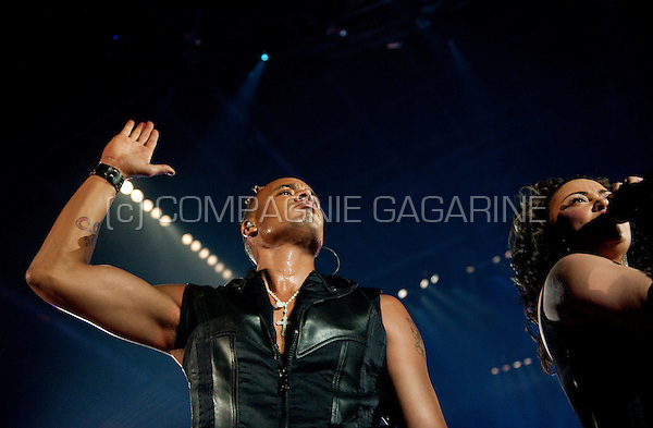 Ray & Anita, formerly 2 Unlimited, performing their first reunion concert in 13 years at the I Love the 90's party in Hasselt (Belgium, 12/04/2009)