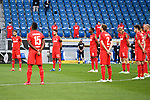 Spieler des 1. FC Koeln waehrend der Schweigeminute.<br /> <br /> Sport: Fussball: 1. Bundesliga: Saison 19/20: 28. Spieltag: TSG 1899 Hoffenheim - 1. FC Koeln, 27.05.2020<br /> <br /> Foto: Markus Gilliar/GES/POOL/PIX-Sportfotos.<br /> <br /> Nur für journalistische Zwecke! Only for editorial use!<br /> <br /> Gemäß den Vorgaben der DFL Deutsche Fußball Liga ist es untersagt, in dem Stadion und/oder vom Spiel angefertigte Fotoaufnahmen in Form von Sequenzbildern und/oder videoähnlichen Fotostrecken zu verwerten bzw. verwerten zu lassen. DFL regulations prohibit any use of photographs as image sequences and/or quasi-video.