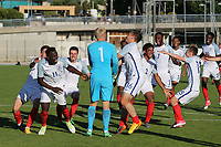 England celebrate winning the Trophy after Ronaldo Vieira (No 11) scores the match winning penalty in the shoot-out during England Under-18 vs Ivory Coast Under-20, Toulon Tournament Final Football at Stade de Lattre-de-Tassigny on 10th June 2017