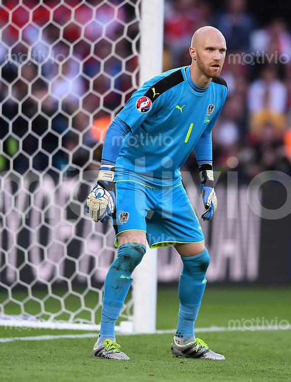 FUSSBALL EURO 2016 GRUPPE F IN PARIS Portugal - Oesterreich      18.06.2016 Torwart Robert Almer  (Oesterreich)