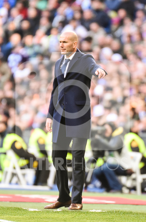 Real Madrid´s Zinedine Zidane  during 2015/16 La Liga match between Real Madrid and Atletico de Madrid at Santiago Bernabeu stadium in Madrid, Spain. February 27, 2016. (ALTERPHOTOS/Javier Comos)