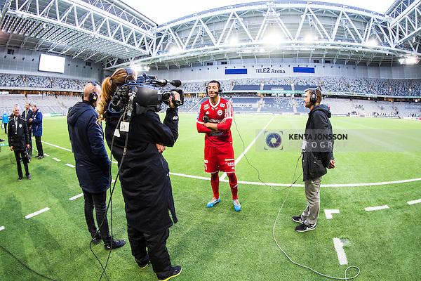 Stockholm 2014-05-04 Fotboll Superettan Hammarby IF - IFK V&auml;rnamo :  <br /> V&auml;rnamos Juan Robledo intervjuas i TV efter matchen mot Hammarby i Tele2 Arena<br /> (Foto: Kenta J&ouml;nsson) Nyckelord:  Superettan Tele2 Arena Hammarby HIF Bajen V&auml;rnamo TV intervju inomhus interi&ouml;r interior