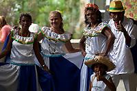 Dezenas de grupos de carimbó chegam de cidades do interior como, Marapanim, Curuçá, Salinas, Soure e Vigia, entre outras e se juntam aos grupos da capital para comemorar a aprovação do registro do Carimbó como patrimônio cultural do Brasil, assinado nesta quinta feira ( 11/09 ). Os grupos fizeram a primeira aprese