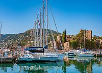 Frankreich, Provence-Alpes-Côte d'Azur, Mandelieu-la-Napoule: Burg La Napoule | France, Provence-Alpes-Côte d'Azur, Mandelieu-la-Napoule: Castle La Napoule