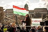 Demonstration gegen die finanzielle Sanktionierung wissenschaftliche Einrichtungen in Ungarn. Demonstration against the financial sanctioning of  scientific institutions in Hungary.<br /> István Kenesei - linguist