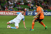 Melbourne, 3 December 2016 - PAULO RETRE (18) of Melbourne City kicks the ball in the round 9 match of the A-League between Melbourne City and Brisbane Roar at AAMI Park, Melbourne, Australia. Melbourne drew with Brisbane 1-1 (Photo Sydney Low / sydlow.com)