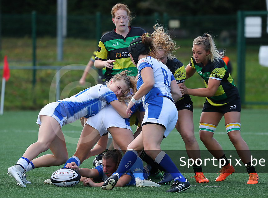 20190928 - Neder Over Hembeek, BELGIUM : AAC Amsterdam's players are pictured in a mole during the female rugby match between the Dendermonde RC Women  and AAC Amsterdam Rugby Women, this is the final of the BeNeCup  on Saturday 28th September 2019 at the Nelson Mandela Stadium , Belgium. PHOTO SPORTPIX.BE | SEVIL OKTEM