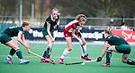 ALMERE - Hockey - Overgangsklasse competitie dames ALMERE- ROTTERDAM (0-0) .  Anna de Geus (Almere) met rechts Noor Wortelboer, links Susie Gilbert.   COPYRIGHT KOEN SUYK