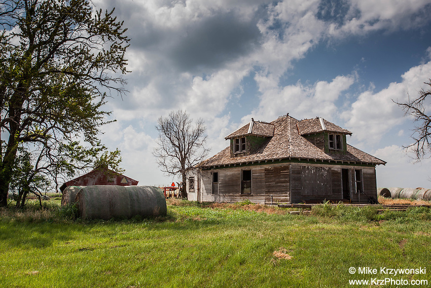 Abandoned Farmhouse near Fort Supply, OK