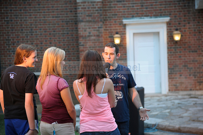 "Columnist Harlen Cohen, the author of ""The Naked Roommate"", talked to a crowd on UK's campus. Cohen talked to three freshman; Erin Plunkett, Chelsea Beegan, and Tatum Holder (left to right). Photo by Mike Weaver 