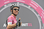 Race leader Maglia Rosa Simon Yates (GBR) Mitchelton-Scott at sign on before the start of Stage 15 of the 2018 Giro d'Italia, running 156km from Tolmezzo to Sappada, Italy. 20th May 2018.<br /> Picture: LaPresse/Fabio Ferrari | Cyclefile<br /> <br /> <br /> All photos usage must carry mandatory copyright credit (&copy; Cyclefile | LaPresse/Fabio Ferrari)