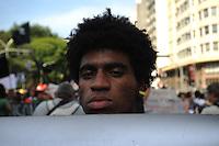 SÃO PAULO,SP, 18.12.2014 - Diversos movimentos sociais e entidades do movimento negro se reuniram na Praça da República, em protesto aos negros mortos pela Policia Militar e em solidariedade aos jovens negros que também forma mortos pela policia recentemente nos EUA. Na Praça da República, no centro de São Paulo, no início da tarde dessa quinta 18 ( Gabriel Soares / Brazil Photo Press)
