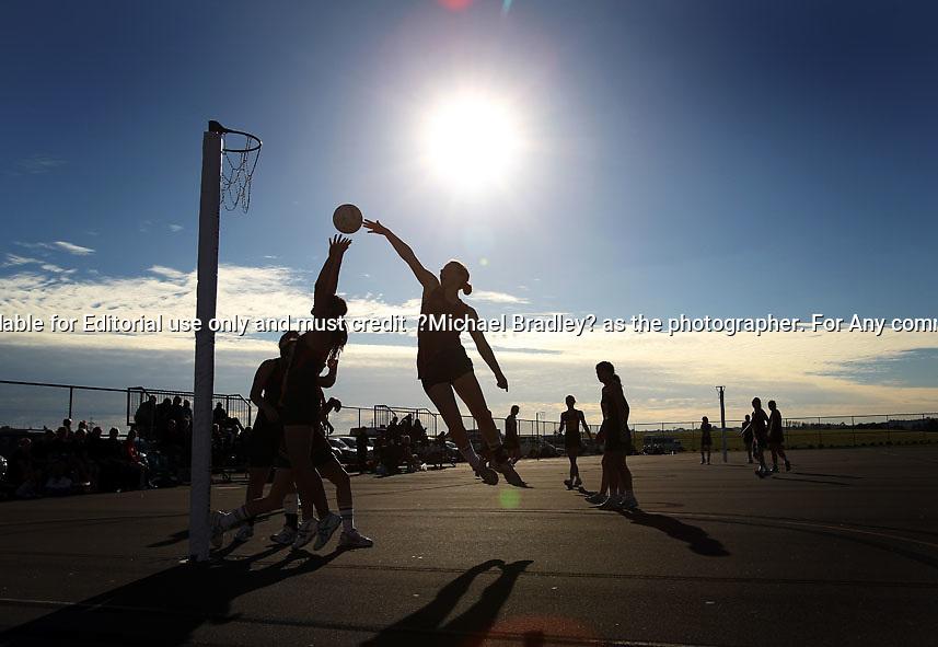 15.07.2010 Hamilton City v Southland - Under 17 National Netball Champs held at Papakura Netball Centre in Auckland. Mandatory Photo Credit ©Michael Bradley.