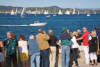 "France, FRA, Département Var, Saint-Tropez, 2008Oct04: Tourists at the port of Saint-Tropez / Cote d'Azur / Provence watch the boats during the regatta ""Les Voiles de Saint-Tropez""."