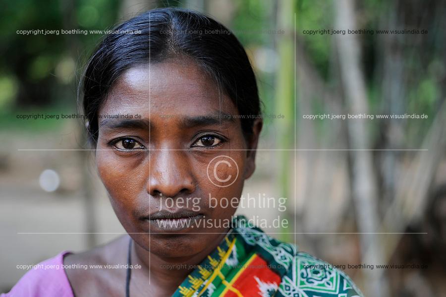 INDIA, Jharkhand, Chaibasa, Adivasi, Ho tribe, woman portraiture / INDIEN, Jharkhand , Chaibasa , Dorf Ulijari  , Ho Ureinwohner