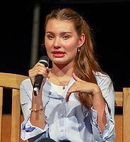 """Schauspielerin und Model Leia Holtwick (""""Immenhof"""")- Büttelborn 03.09.2019: Vun de Gass herunner, Biddelberner Babbelbank"""