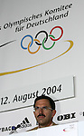 Olympia 2004 Athen PK Deutsches Haus; NOK Praesident Klaus Stinebach; Portraet
