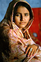 Gennaio 2010.Campo Profughi Saharawi di Smara.Ragazza Saharawi..January 2010.The refugee camp of  Smara..Sahrawi woman.
