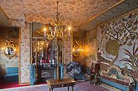 Europe/Royaume-Uni/Îles Anglo-Normandes/Île de Guernesey/Saint-Pierre-Port: Hauteville House, Maison de Victor Hugo, et Musée Victor Hugo<br /> Le salon bleu